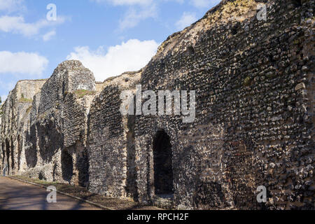 The wall to the ruins of Reading Abbey, Berkshire. - Stock Image