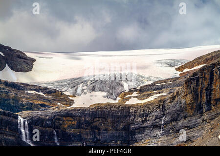 Close up of Bow Glacier with waterfalls in Banff National Park, Alberta, Canada. Bow Glacier is an outflow glacier from the Wapta Icefield along the C - Stock Image
