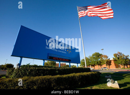 Walmart Stores Inc.'s Home Office in Bentonville, Ark., showing their new logo. (Sept. 2009) - Stock Image