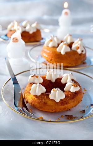 Caramel Babas au Rhum - Stock Image