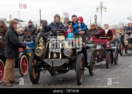 Mrs Sarah Tunnicliffe  driving her 1902 Panhard Et Levassor, across the finishing line of the 2018 London to Brighton Veteran Car Run - Stock Image