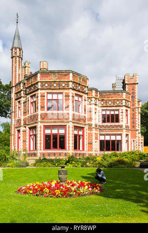Formal gardens at the front of at Saltwell Towers in Saltwell Park, Gateshead, Tyne and Wear. - Stock Image