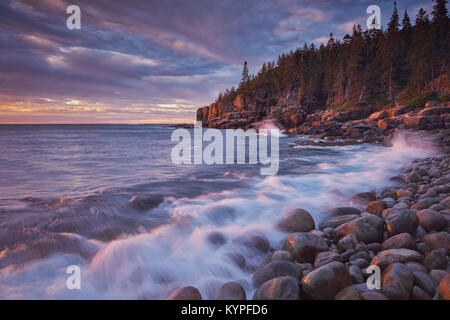Sunrise from Boulder Beach at Otter Cliffs in Acadia National Park in Maine - Stock Image