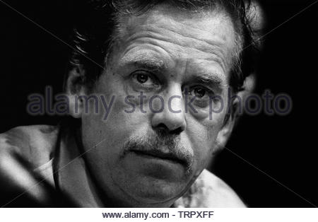Czechoslovakia, Prague,1989 during the Velvet Revolution, the fall of communism in Eastern Europe. Vaclav Havel playright and author and soon to be president in 1989 at political meeting before the fall of the Czech Government. COPYRIGHT PHOTOGRAPH BY BRIAN HARRIS  © 07808-579804 - Stock Image