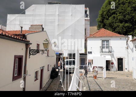 Building undergoing renovation in the Alfama quarter of Lisbon Portugal Europe EU  KATHY DEWITT - Stock Image
