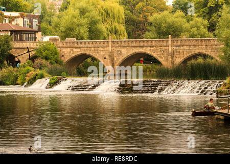 UK Somerset Bath Bridge and Weir Across The Avon - Stock Image