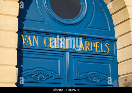 PARIS, FRANCE - JULY 21, 2017: Van Cleef and Arpels fashion luxury store in place Vendome in Paris, France. - Stock Image