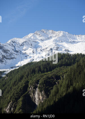 Snow capped mountain - Stock Image