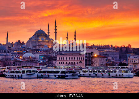 Fatih district with the Süleymaniye Mosque and the Eminönü square , Istanbul, Turkey - Stock Image