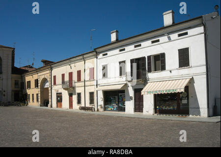 houses and shop in the small town of San Benedetto Po, Lombardy, Italy - Stock Image