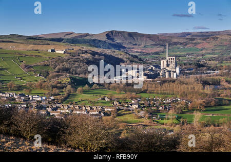 Breedon Hope Cement Works and village of Bradwell. Peak District National Park, Derbyshire, England. - Stock Image