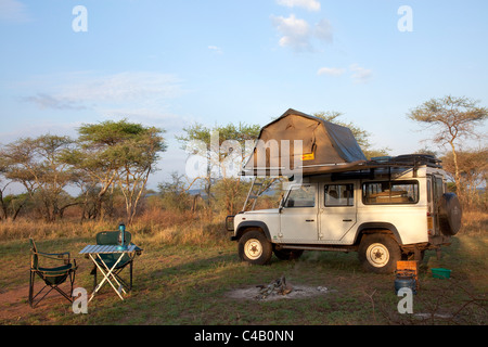 Tanzania, Serengeti. Rough camping in one of the designated 'special campsites' (Sero 1 extra). - Stock Image