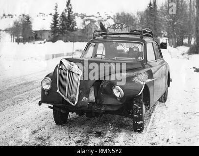 MG Magnette ZA crash in 1955 Monte Carlo rally - Stock Image