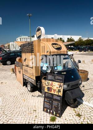 Portugal, Lisbon, Belem, Padrao dis Deccobrimentos, Mr Tapas mobile fast food  sold from Ape 50 van - Stock Image