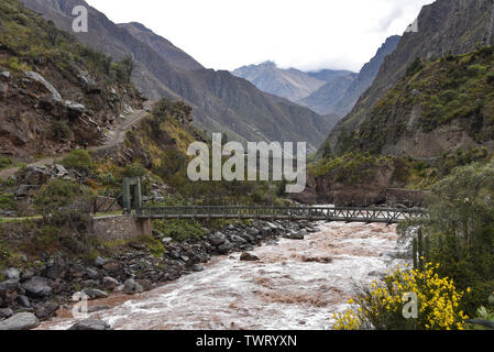 Bridge across the Urubamba river at the start point of the Inca Trail to Machu Picchu. Cusco, Peru - Stock Image