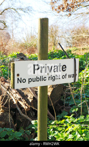 A Private, No public right of way, sign off a public right of way footpath in the North Norfolk countryside at Blakeney, Norfolk, England, UK, Europe. - Stock Image