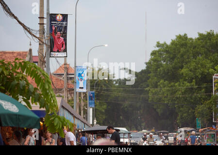 Siem Reap, Cambodia Saturday, 28th July 2018: Cambodian general election campaign posters in Siem Reap. The polls open on Sunday 29th July. Credit: Nando Machado/Alamy Live News - Stock Image