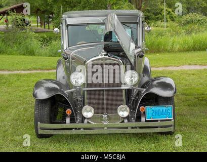 1930 Pontiac Hot Rod Antique car on display at Car Show - Stock Image