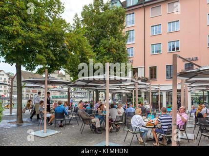Cafe on Weinplatz by the River Limmet, Zurich, Switzerland - Stock Image