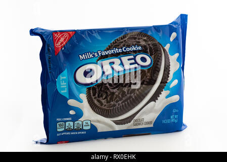 A bright blue package of traditional Oreo Cookies, Milk's Favorite Cookie - Stock Image