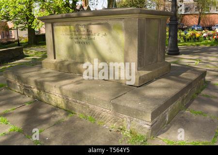 The grave of Elihu Yale in Saint Giles Church Wrexham - Stock Image