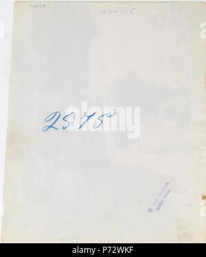 Italiano: Wilhelm von Gloeden (1856-1931), Retro della foto 2575.  English: Wilhelm von Gloeden (1856-1931), Reverse of image # 2575.  . circa 1900 130 Gloeden, Wilhelm von (1856-1931) - n. 2575 - Tunisi - verso - Stock Image