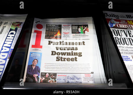 i newspaper headline on front page  'Parliament versus Downing Street' 3 December 2018 in London England UK - Stock Image