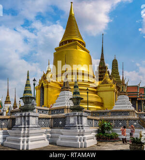 Gold stupa in the Grand Palace in Bangkok, Thailand - Stock Image