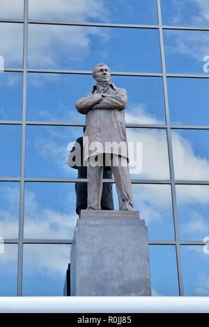 Sir Alex Ferguson Statue Outside Old Trafford, Home of Manchester United Football Club, England, United Kingdom - Stock Image