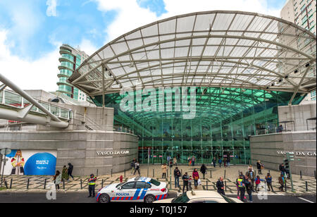 Modern shopping mall in Lisbon city - Stock Image