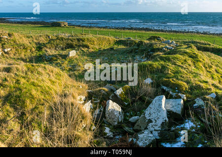 Keiss Broch, dating from the Iron Age (between 600 BC and 400 AD).  Sinclair's Bay, Keiss, Caithness, Scotland, UK - Stock Image