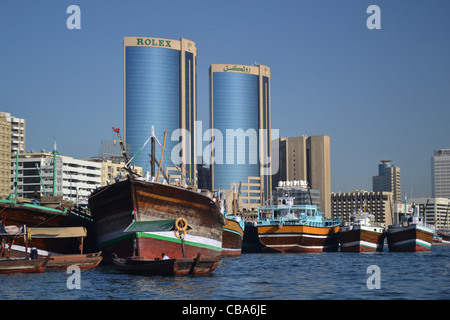 Buildings and boats along the creek, Dubai - Stock Image