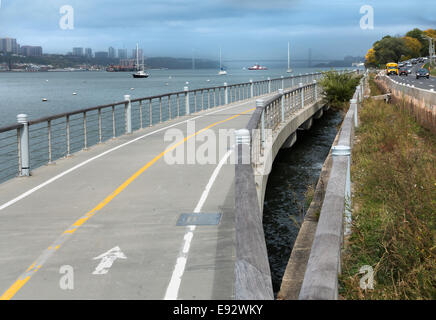 Hudson River New York City Walkway - Stock Image