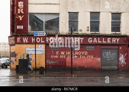 empty derelict buildings on the junction of George Street and High Street Glasgow, Scotland, UK - Stock Image