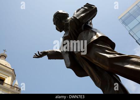 Plazuela San Pedro, statue of  Víctor Andrés Belaúnde, Lima, Peru - Stock Image