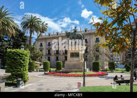 The Plaça d'Alfons el Magnànim, also known as El Parterre, features a statue of James the Conqueror, Ciutat Vella district , Valencia, Spain - Stock Image