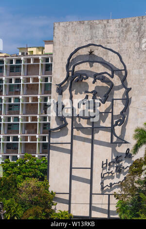 Che Guevara's metal image on the Ministry of Interior Building, Plaza de la Revolucion, Havana, Cuba, Caribbean - Stock Image