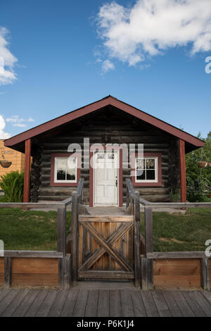 The Gould Cabin, an authentic frontier cabin built in 1908 and remains in the same location now Griffin Park in downtown Fairbanks, Alaska. - Stock Image