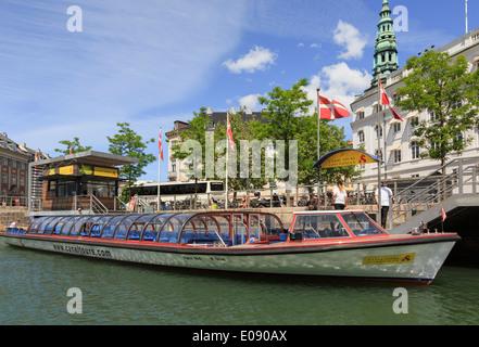 Tourists' canal cruise boat in Copenhagen, Zealand, Denmark, Scandinavia, Europe - Stock Image