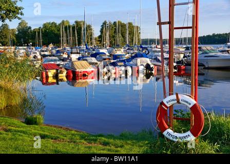 Sweden. Small boat marina on lake Malaren in Strangnas. - Stock Image