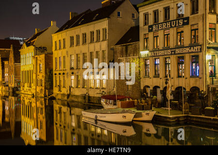 Canal in Gent at night - Stock Image