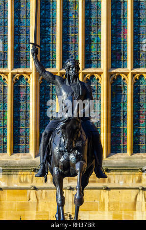 UK, England, London, Westminster, Houses of Parliament, Palace of Westminster, Old Palace Yard, Statue of Richard I, Richard the Lionheart, Richard Co - Stock Image