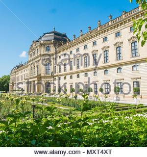 Hofgarten garden and Würzburger Residenz, Würzburg, Bavaria, Germany - Stock Image