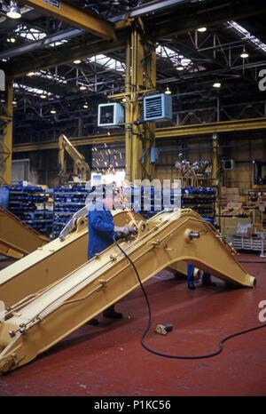 Komatsu factory in Britain manufacturing large crawler excavators - Stock Image
