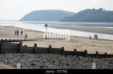 Ferryside,beach,Towy River Estuary,Wales,South Wales,holiday,destination,coast,coastal,resort,UK,U.K.,Britain,GB,Great Britain,British, - Stock Image