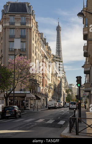 Paris, France, Europe :  2019/04 : - Tour Eiffel (Eiffel Tower) (15 mins walk ) viewed from the  intersection of Rue Saint Charles and Rue Rouelle in  - Stock Image