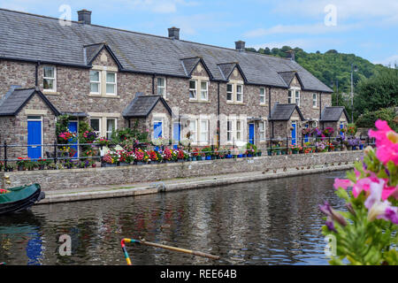 Brecon Wharf Monmouthshire and Brecon Canal Brecon Brecon Beacons National Park Powys Wales - Stock Image