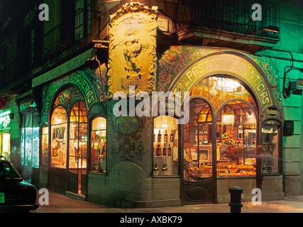 spain Barcelona Las Ramblas Partisserie Art nouveau fassade illuminated at night - Stock Image