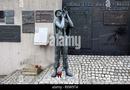Memorial Wall at the Monument to Fallen Shipyard Workers in Gdansk - Stock Image