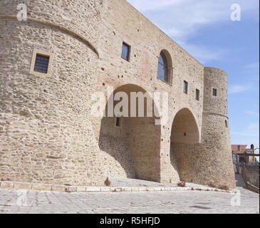 The hilltop town of Bernalda in Basilicata, Southern Italy - Stock Image